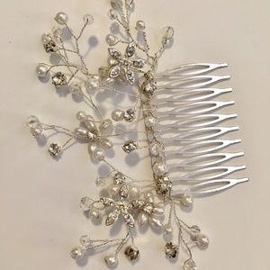 Accessories - Bridal Comb Hairpiece with Pearls and Gems
